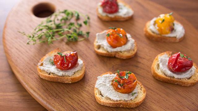 Roast Tomato Crostini recipe