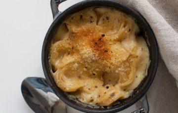 Smoked Cheddar Black Pepper Mac 'n Cheese recipe