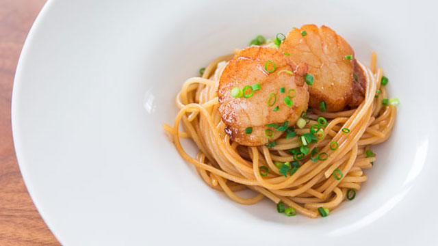 Spaghetti with Soy Sauce Butter Scallops recipe
